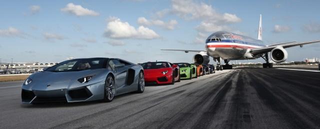 Aventador_roadsters_on_runway
